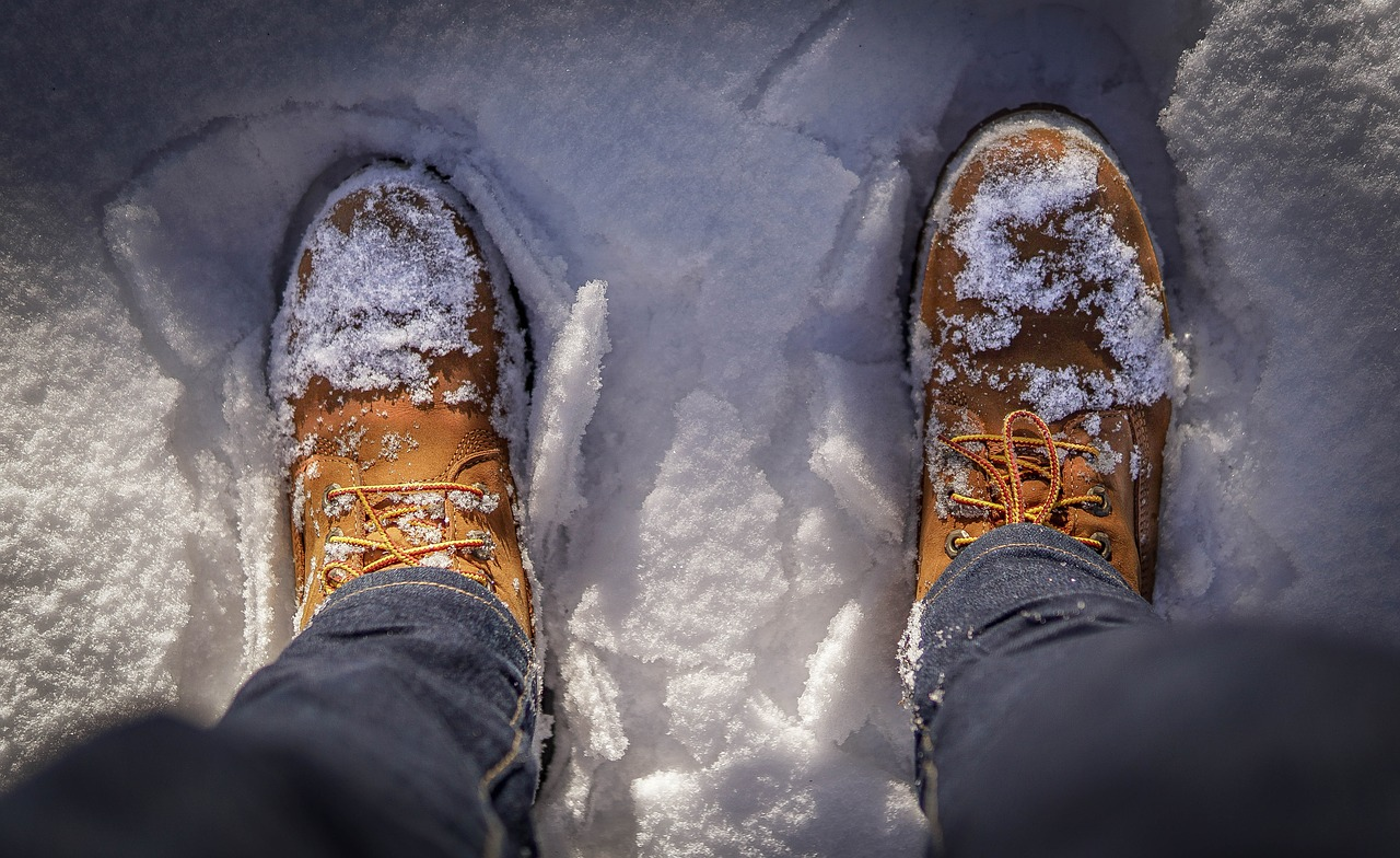 walk with caution to stay safe in winter weather
