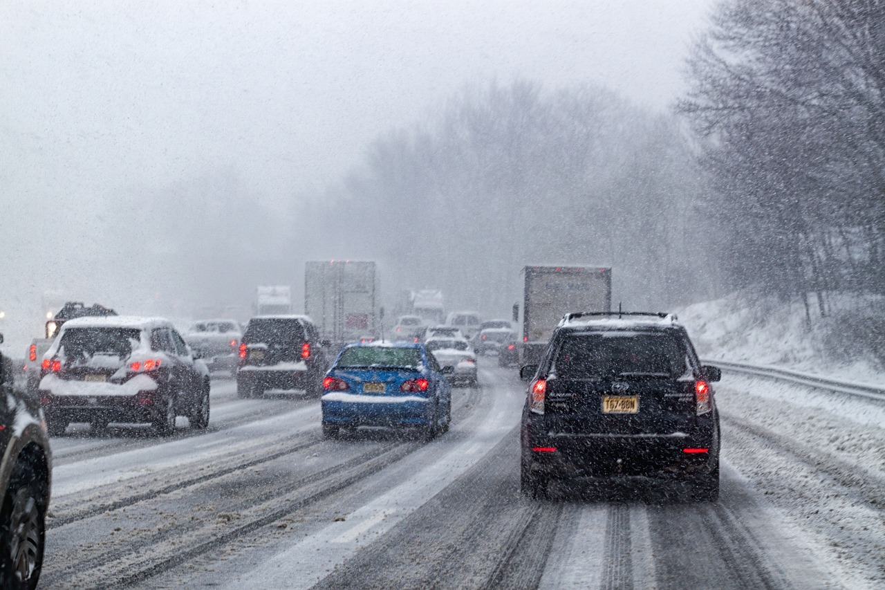 slow down to stay save in winter weather