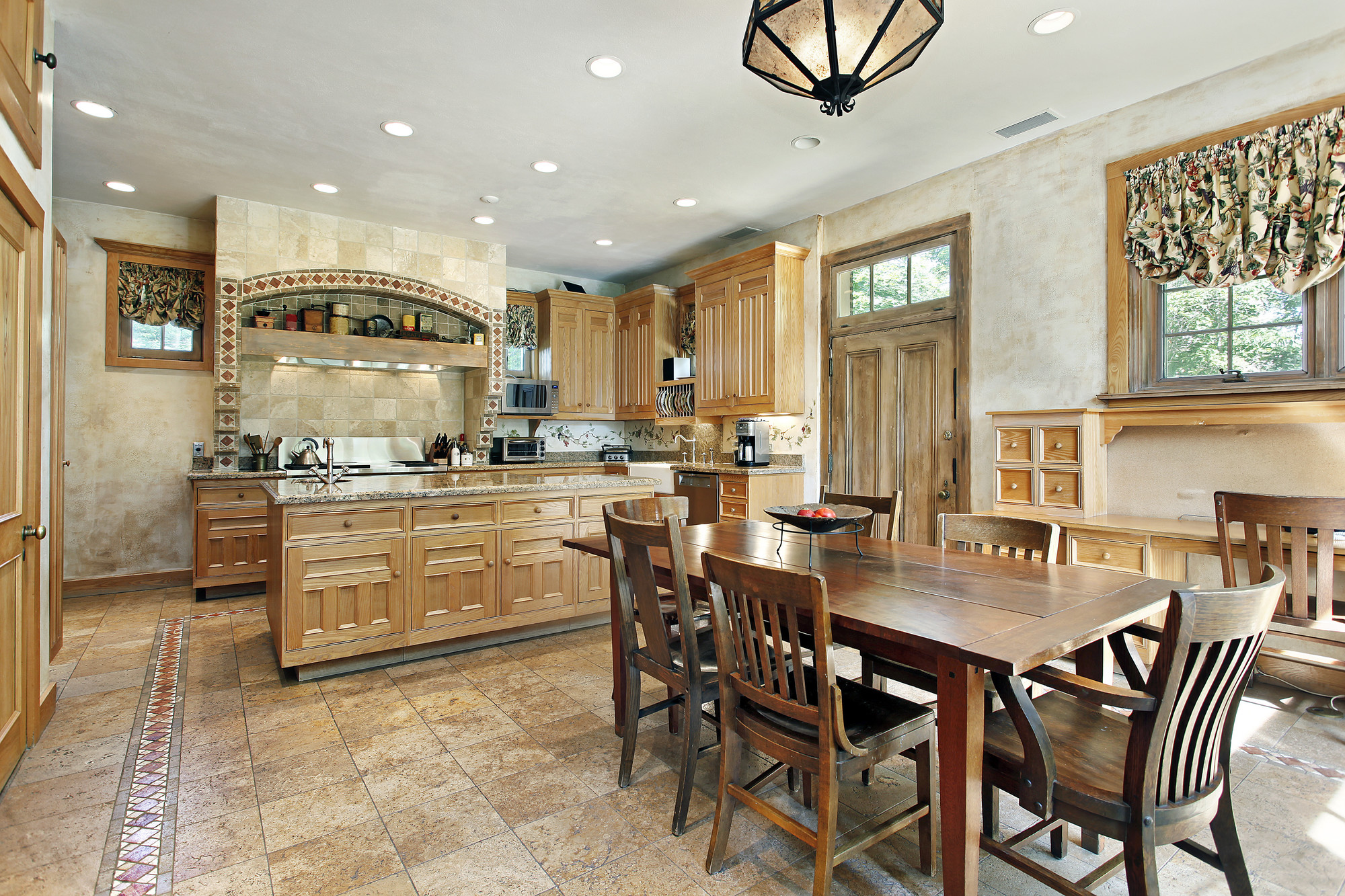 tips for selling beautifully staged home
