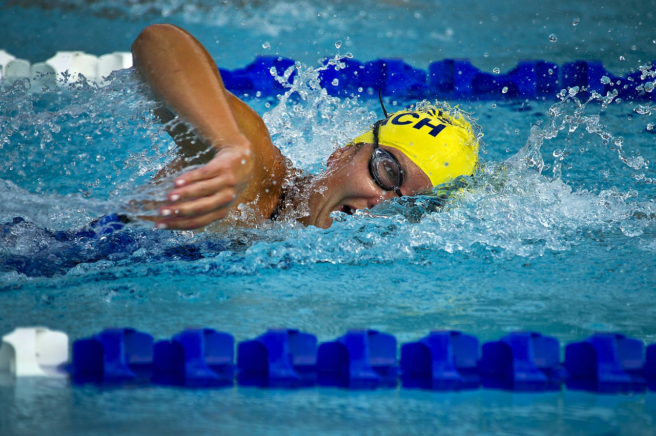 competitive swimming at triangle aquatic center
